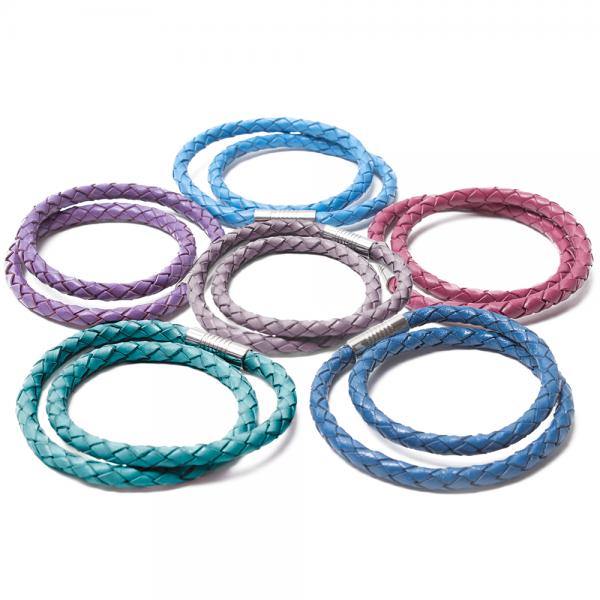 ACCESSOIRE Armbänder in trendigen Farbtönen